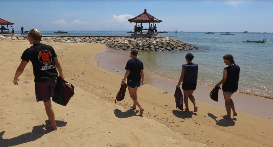 Balinese People Get More And More Involved In The Environmental Protection