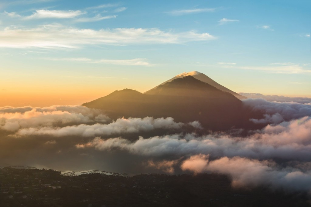 Climb the Mount Batur volcano | Atlantis Bali Diving