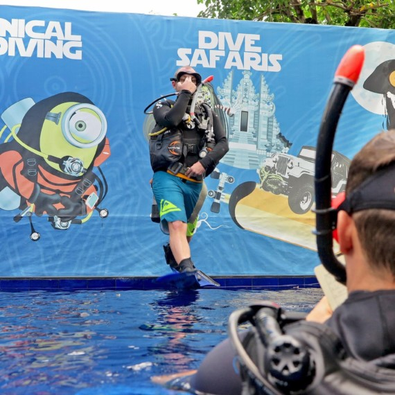 Meet Our New Divemaster : Viken !  Atlantis Bali Diving
