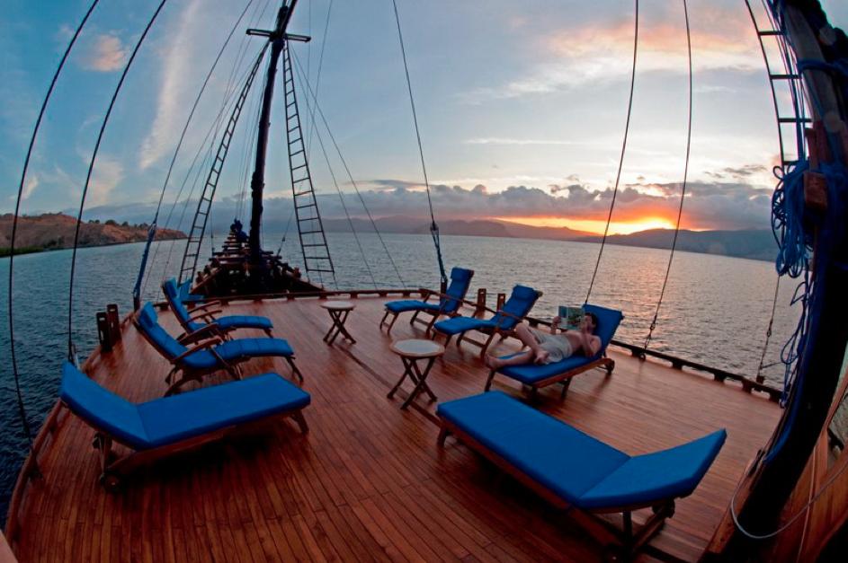 Aurora Sun Deck | Atlantis Bali Diving